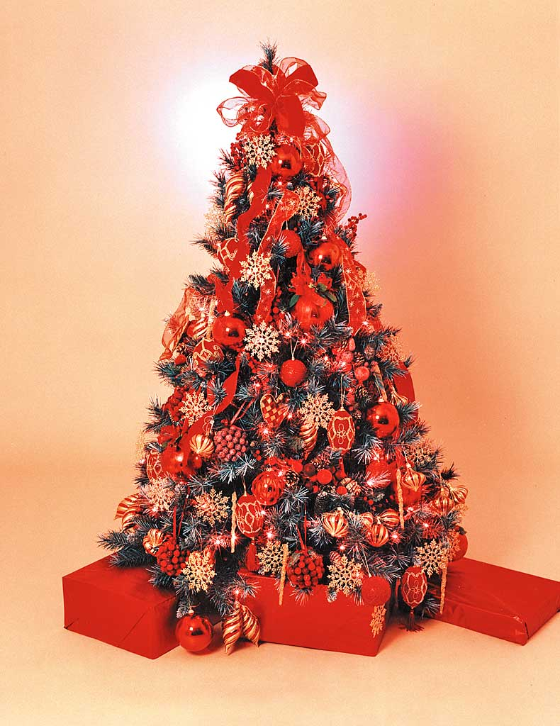 Red christmas tree casual cottage